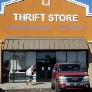 Desert Thrift Shop - Apache Junction
